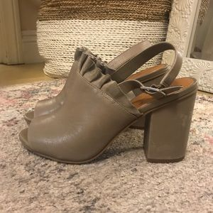 14th and Union Taupe Block Heel Shoes